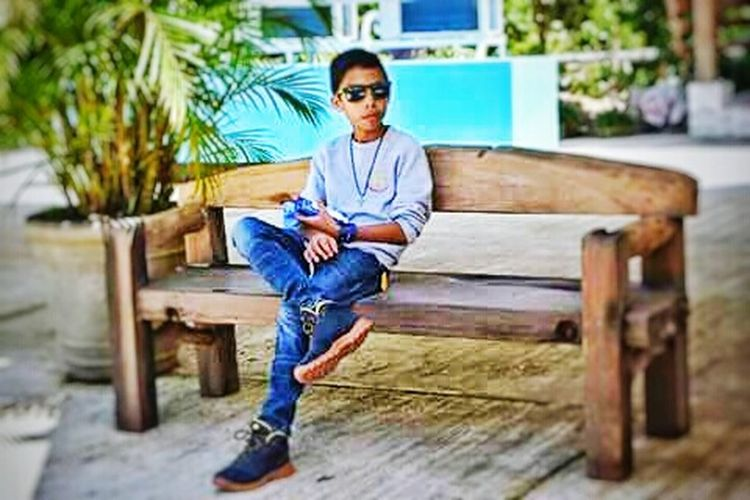 Ine of my subjects♥ Cool Dude Waiting ...