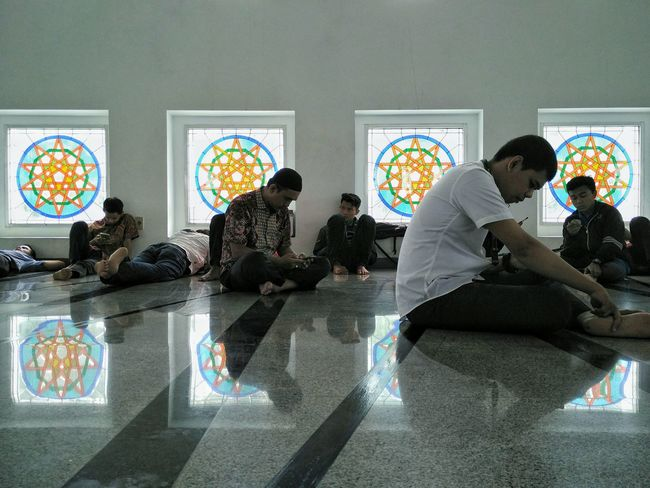 These people were either sleeping or playing with their phone after friday prayer 😂😂😂 and I was the worst: taking their picture 😂😂😂 Religions Religious Ceremony Religion And Faith Religious Spot Religion Architecture Islamic Architecture Moslem Prayer Praying Prayers Friday Prayer Indoors  People People With Smartphones Technology Everywhere Technology Addiction Technology And Human Real Life Photography Real People