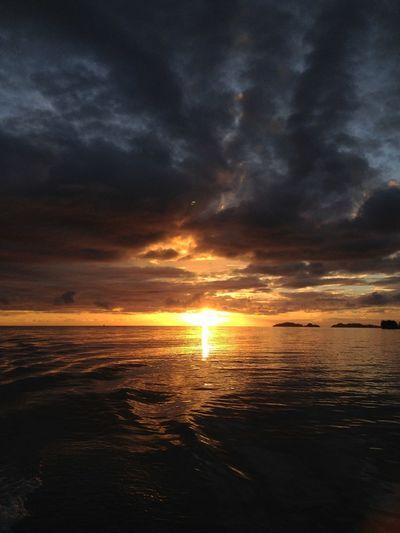 Sunrise Work&travel Seychelles Colurs Of Sky