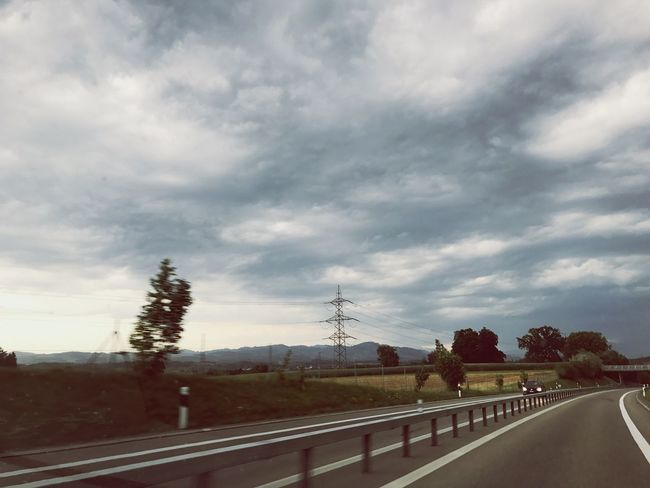 on the road Road Ontheroad Cloud - Sky The Way Forward Beauty In Nature Patriciaphotography Day