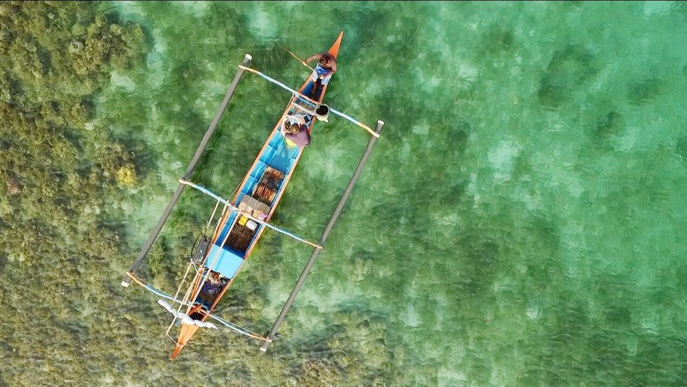 Filipino fishermen in the controversial Scarborough shoal Flying High The Great Outdoors - 2017 EyeEm Awards