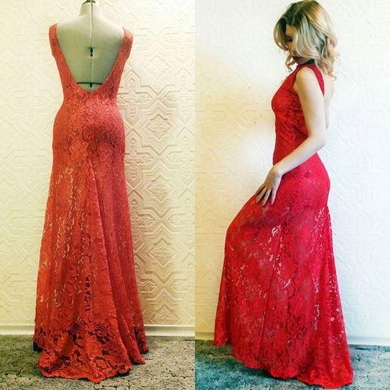 Пора готовиться к новому году☺ Кружевное платье с открытой спиной❤❤❤ пошивплатьев пошивназаказ пошив дизайнеродежды шьюназаказ любимаяработа вечернееплатье