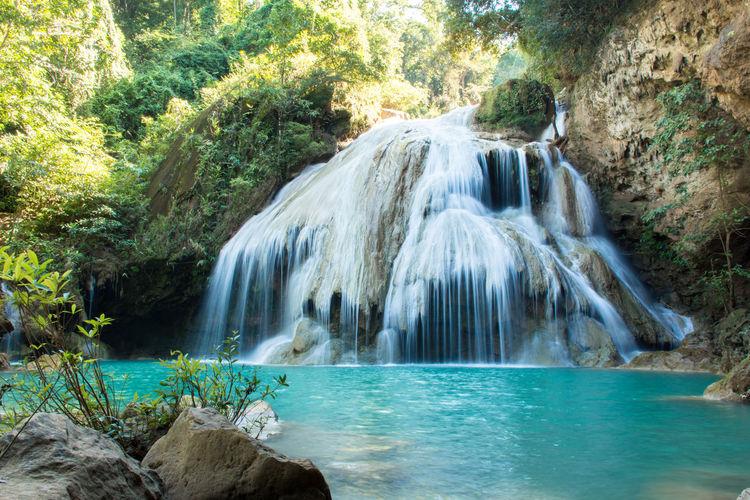 Beauty In Nature Rock - Object Scenics Water Waterfall น้ำตกก้อกลวง จังหวัดลำพูน ประเทศไทย