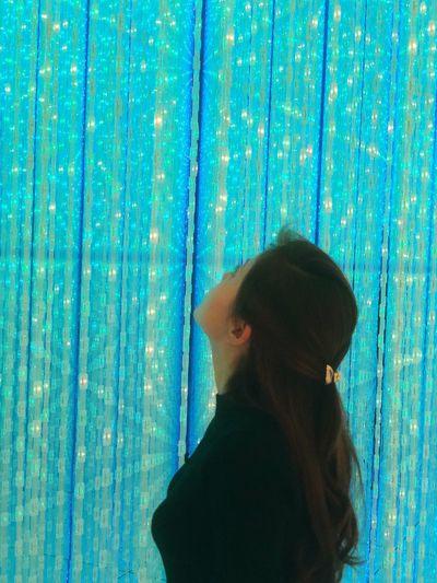 Japan EyeEm Gallery EyeEm Best Shots EyeEmNewHere Enjoying Life One Person Lifestyles Women Real People Headshot Leisure Activity Rear View