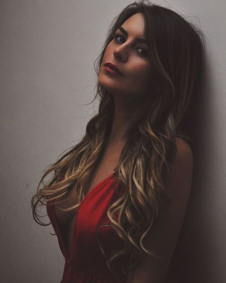 💎❤ Long Hair Studio Shot One Person Portrait Young Women Indoors  Beauty Young Adult Real People Beautiful Woman Women Close-up Day