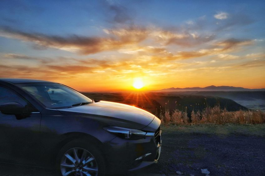 EyeEm Selects Driving EyeEm Japan Mazda MaZda3 Morning Morning Sun Beauty In Nature Nature Naturelovers EyeEm Best Shots EyeEm Nature Lover マツダ アクセラ ドライブ 朝日 日の出 太陽 空 朝焼け Car Mode Of Transport Transportation Sunset Land Vehicle Sky No People Cloud - Sky Outdoors