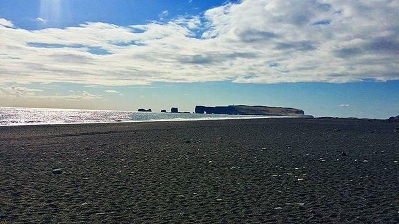 Iceland Vik Dyrhólaey Reynisfjara Amazing Awesome Photooftheday Note3 Landscape Nature Beautiful Awesome Sky Skyporn Clouds Photooftheday Sea Water Photographer Igers Picoftheday Blue Beach Blacksand