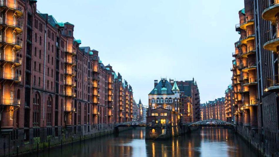 Paseando por Speicherstadt, Hamburgo. Hamburg Enjoying Life Nightphotography