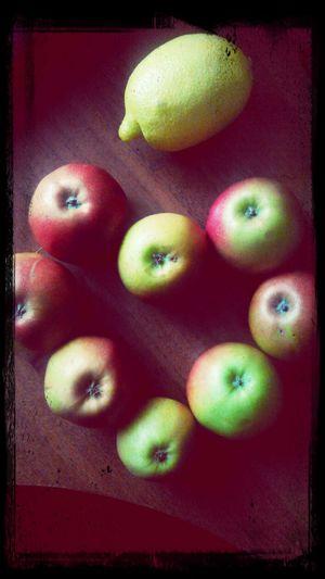 Eat More Fruit фрукты яблочки лимончик