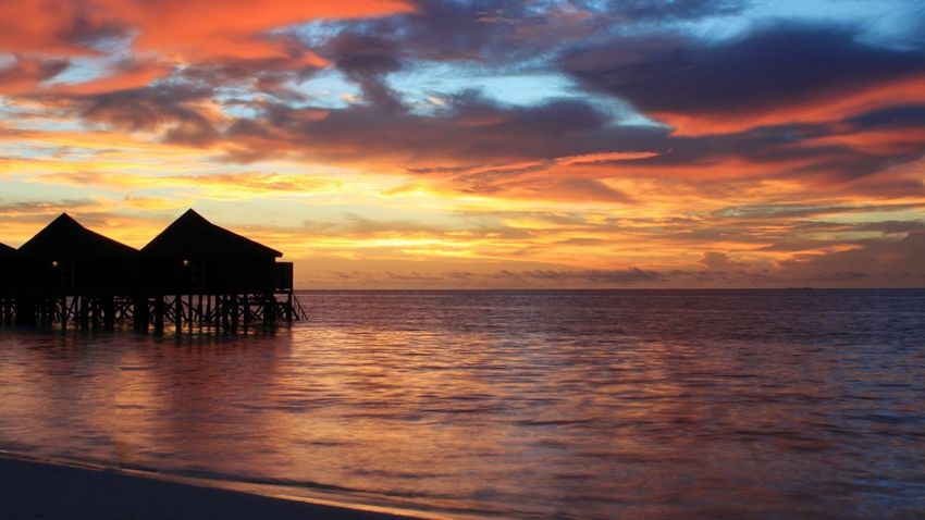 Have you ever seen a sky that takes your breath away No Filter Kuredu Sunset Beach Sunset EyeEm Best Shots Beauty In Nature Beach Beachphotography Palm Tree Indian Ocean Silhouette Red Sky Relaxing Red Color Orange Color Orange Sky Dusk Tranquility Beautiful Horizon Over Water