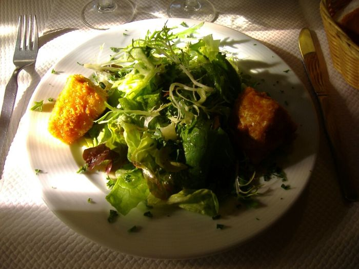 Salade et Camembert pané - Restaurant Le Chat qui pêche - Honfleur France Restaurant At Port D'Honfleur Foodporn The Minimals (less Edit Juxt Photography) Normandy Francia Normandie Honfleur Normandia  Food