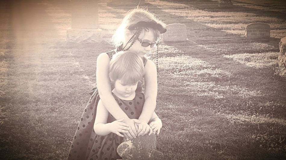 Graveyard near sunset with my niece and daughter. First Eyeem Photo The Portraitist - 2016 EyeEm Awards Light And Shadow Black And White Girls Cute Melancholic Eye4photography  Beautifully Organized