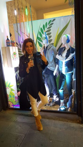 Pop Up Store by @giordanohkspain @popupstorespain ✌🔝😉❤ Taking Photos That's Me Hello World Relaxing Enjoying Life Hi! Fashion Happy RonBarceló Malasaña Blogger Beauty Shopping