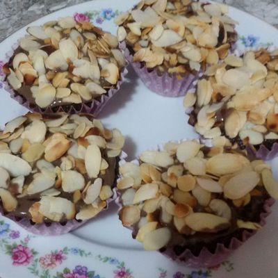 Chocolate Cupcakes Almond Caramel Delicious Food Freshness Joy Sweet Food Yummy