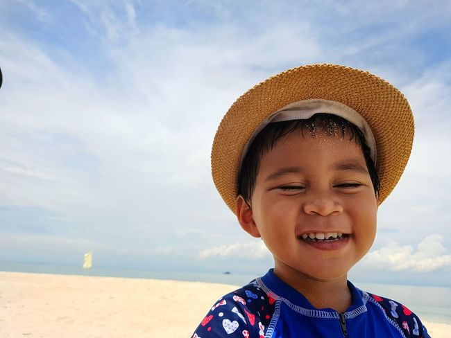 LhaizDiaries Child Children Only Childhood One Person Beach Smiling Summer Portrait Front View Happiness Outdoors Sky Sand Nature Photography EyeEmNewHere Rear View Close-up EyeEm Best Shots Eyeemphotography Water Edge Of Imagination Art Is Everywhere