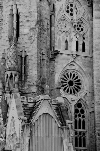 The Secret Spaces Tranquility Architectural Column No People Day City Architecture Built Structure Sun Building Exterior Black And White City Street Urban Barcelona SPAIN Church Sagrada Familia Cathedral Art The Architect - 2017 EyeEm Awards The Architect - 2017 EyeEm Awards