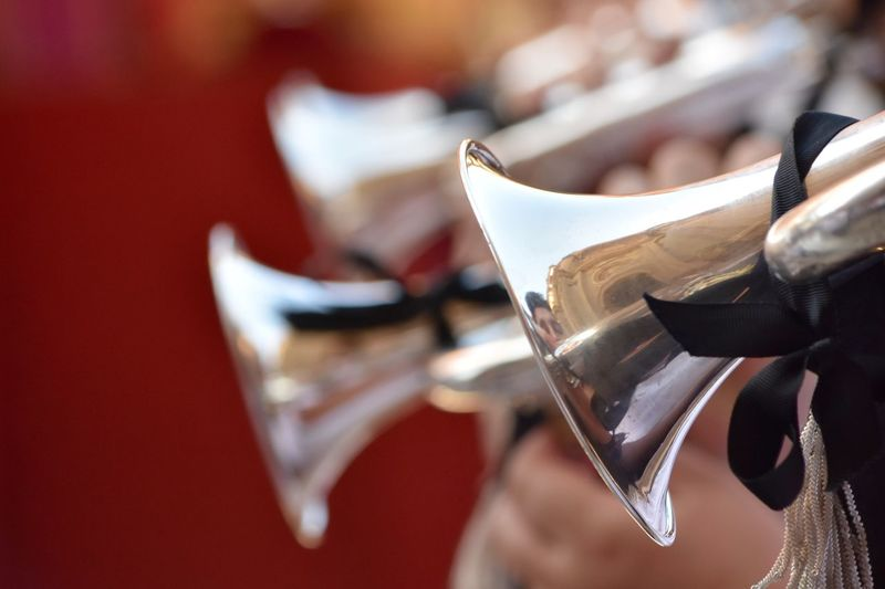 Alert Trumpets Musical Instruments Let's Do It Chic! Selective Focus Nikon Bokeh Exploring New Ground Depth Of Field Nikon D7200 First Eyeem Photo Nikonphotography Street Photography Nikonphotographer Taking Photos Eye4photography  Exceptional Photographs Respect For The Good Taste Textures And Surfaces EyeEm Best Shots Balance And Composure Pastel Colors Using The Roll App Pastel Power Creative Light And Shadow