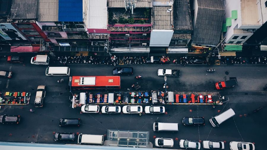 Traffic from above A Bird's Eye View Architecture Building Exterior Built Structure Busy Car City City Life Day High Angle View Land Vehicle Large Group Of People Mode Of Transport Office Building Road Rush Hour Street Traffic Transportation Travel Urban Skyline