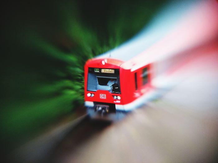 Red Sbahnstation Sbahn Lensbaby  Lensbaby Mobile Lensbaby Creativity Lensbabymobile10 Train Zug Hamburg Selective Focus Seeinanewway EyeEmNewHere DB Bahn