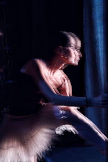 Men Talcum Powder Traditional Dancing Ballet Ballet Shoe Tiptoe Grace Dance Studio Tutu Balinese Culture Dancer Face Powder Black Background Ballet Studio Chinese Dragon Leotard Colliding Impact Human Back Back Performance Ballet Dancer