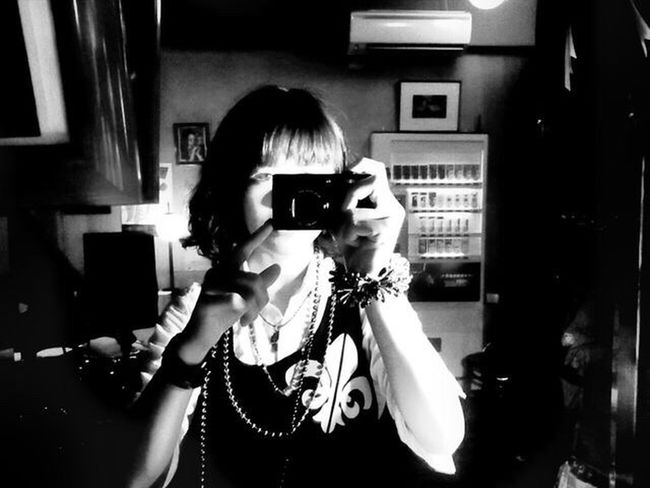 W/Haruka Technology Photographing Richo Indoors  Mirror Refrection Portrait One Person Camera - Photographic Equipment Photogenic  Monochrome Blackandwhite Beatiful Girl Modelgirl Young Adult Everydaycarry EyeEmNewHere The Week On EyeEm Mix Yourself A Good Time Art Is Everywhere Musician 세계 Tranquil Scene Tokyo