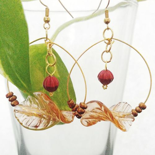 Gold Wire Leaf Hoop Earrings Handmade By Me Handmade Jewelry Best Shots Beaded Jewelry Jewelry For Sale Fashion Summer Jewelry Earrings Handmade Handcrafted Handmade Jewellery Handmade Accessories Handcrafted Handmade Jewellery Selling My Creations Aydielle On Instagram Aydielle