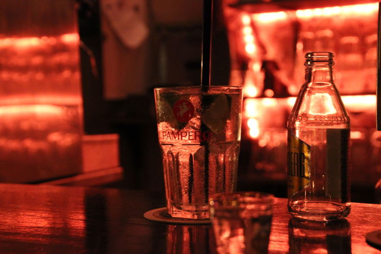 Ein Abend an der Bar. Alcohol At The Counter Atmosphere Bar - Drink Establishment Bars Berlin Close-up Cosy Drink Drinking Glass Evening Focus On Foreground Food And Drink Freshness Indoors  Liqueur No People Pub Visit Refreshment Table Whiskey