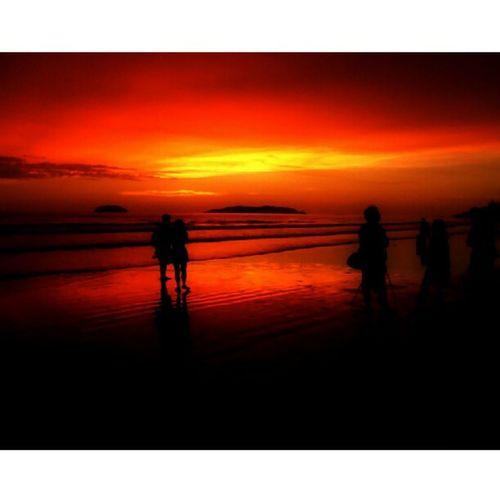 Kotakinabalu Malaysianborneo Sunspotters Sunsets people picoftheday gf_daily gf_malaysia gf_featured instaparadise instagold instamood instagramphotography insta_pic instagramhub instagram insta_pick igaddict igdaily igphoto igoftheday igers igersmalaysia