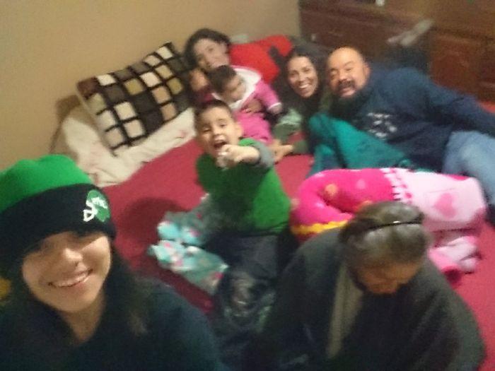 Low Quality Photo Selfie Family Mi Amada Familia