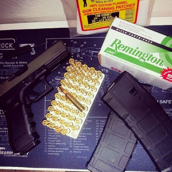Loading a few MagpulPmags for a future range trip... Oorah Glock17Gen4 223Remington 556 AR15 OlympicArms556mmMFR