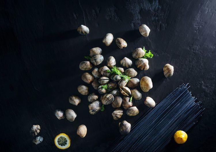 clams spagheti Pasta Seafoodporn Foodphotography Moody Dark