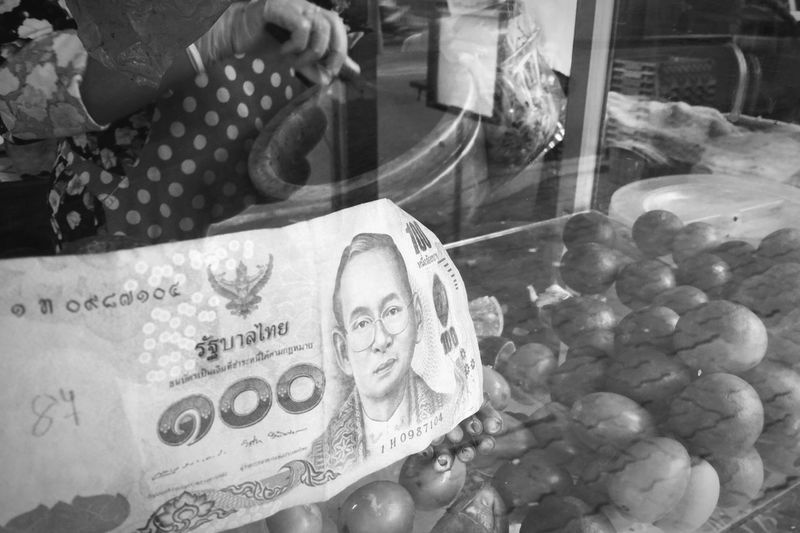 Thailand's heart ล้นเกล้าเผ่าไท Kingrama9OfThailand KingramaIX Banknotes Banknote King - Royal Person Business Glass - Material Indoors  Still Life Transparent No People Currency