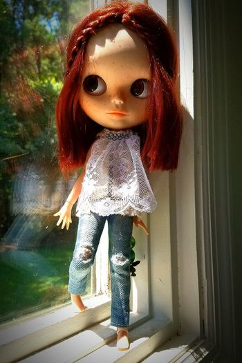 Blythe Blythe Doll Blythe Adventures Adventure Time Window Pain Charleston SC Crew Hanging Out Relaxing Nature Blue River Wellness Blue River Wellness Different Perspective Enjoying Life