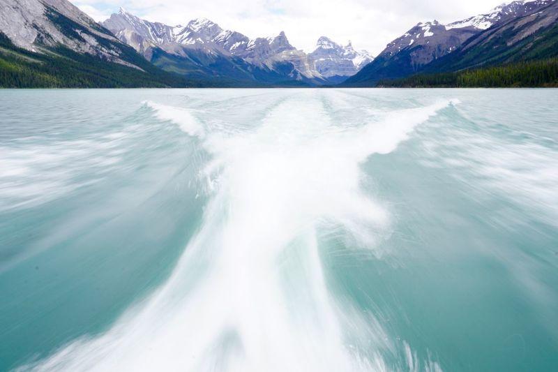 Lake Speed Alberta Maligne Lake Rockies
