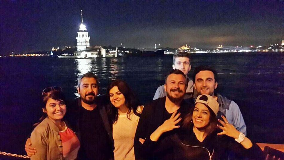 İstanbuldaki son gecemizi kız kulesinde sonlandıralım :) That's Me Hi! Taking Photos Best Friends ❤ Historical Building Istanbul Turkey Travel Photography Enjoying Life Vscoturkey Vscoistanbul