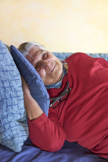 Aged Woman Couch Woman Aged Aging Grandmother Resting Senior Senior Woman Sleeping