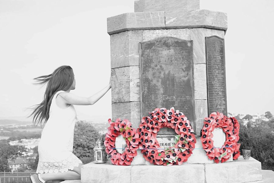 Memorial Day War Memorial Poppies  Remembrance Goodbye Red the reason I made this photograph was because we always focus on the people who've left us, but we never focus on the people who are left behind, the ones who have to suffer the lost. Photos That Will Restore Your Faith In Humanity