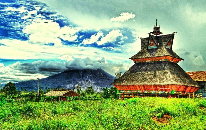 Siwaluhjabu Tanah Karo Sinabung House Traditional Landscape North Sumatera INDONESIA Taking Photos Hello World