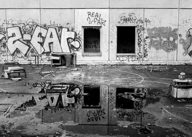 Architecture Art Building Built Structure Day Deterioration Graffiti No People Outdoors Run-down Street Art Wall - Building Feature