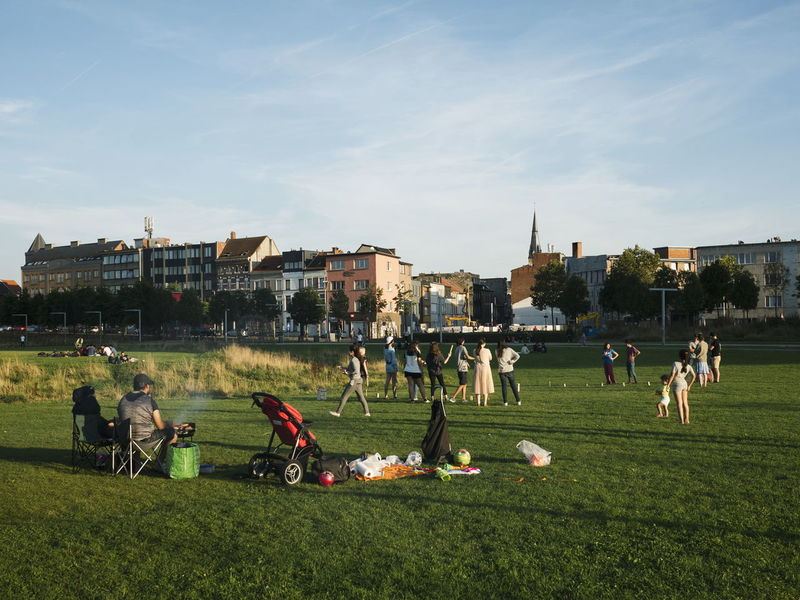 Having Fun Grass Large Group Of People Sport Playing Kubb Playing Kubb Streetphotography Antwerp Belgium Barbecue Barbeque Park Parks And Recreation TCPM The Street Photographer - 2017 EyeEm Awards The Photojournalist - 2017 EyeEm Awards