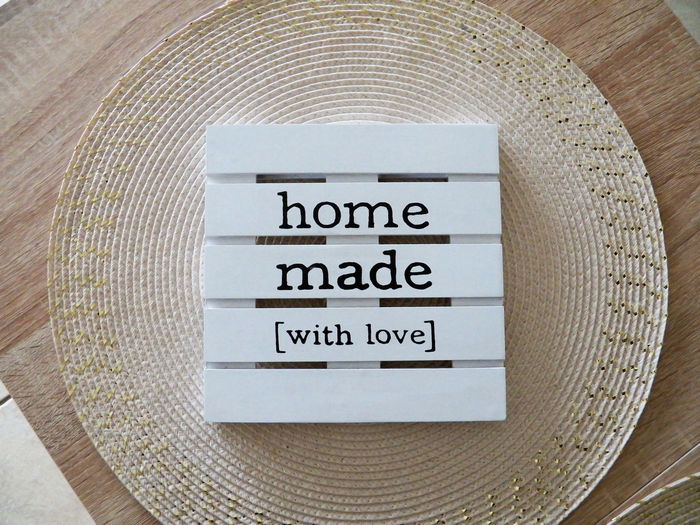 Circle square shapes with a square tiny palette and text close up Home Made With Love Geometric Shape White Wood Material Square Brilliant Cream Circle Geometric Geometric Shapes White Colors Text Love Home Made Item Black Text Close Up