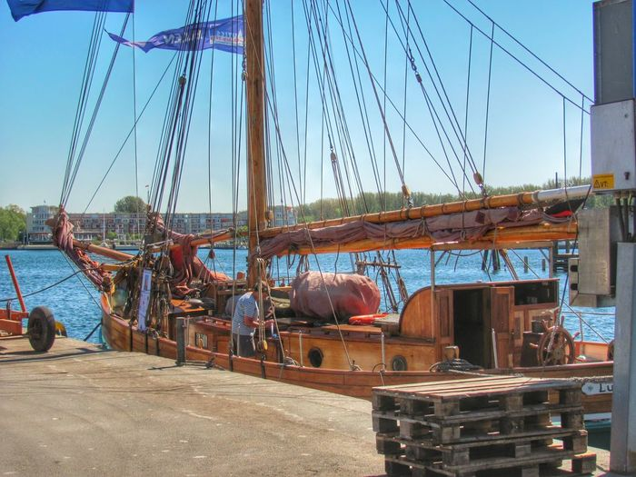 Sailing Enjoying Life Streetphotography HDR