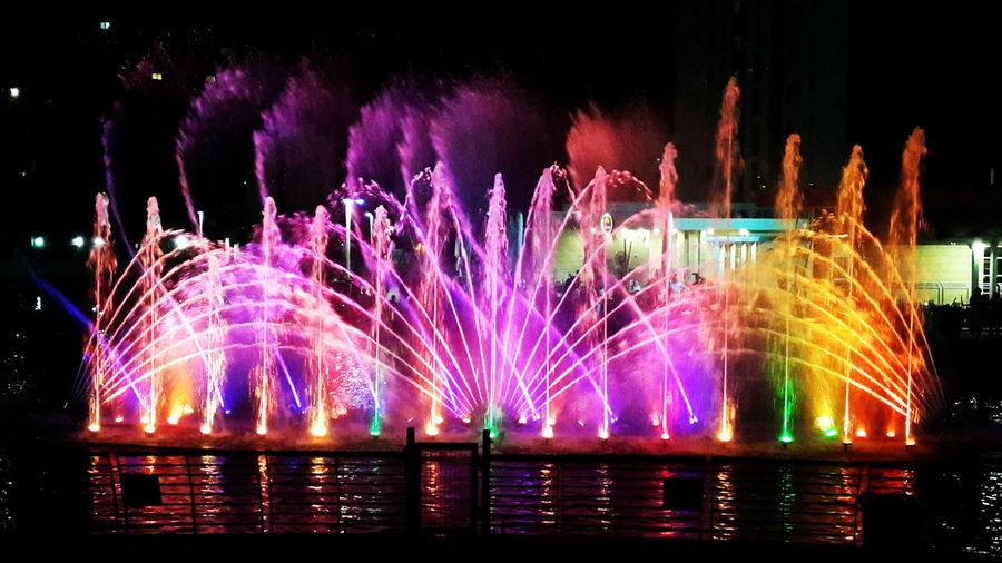 Enjoying Life Water Hello World Colour Explosion