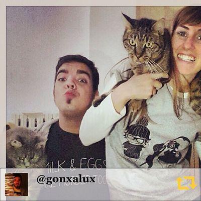 RG gonxalux: #chiaralascura #hovinto #wereahappyfamily grazie per le magliette chiara!!!! #regramapp Hovinto Chiaralascura Regramapp Wereahappyfamily