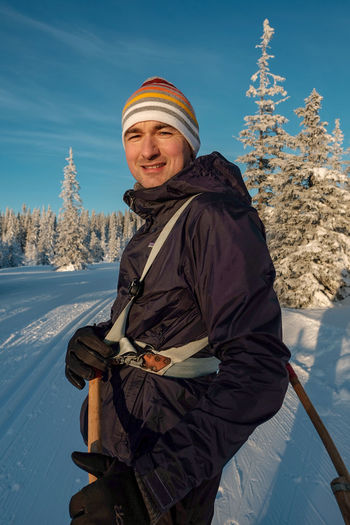take a break Montains    Sweden Close-up Young Adult Young Men EyeEm Selects Winter Cold Temperature Snow Portrait Smiling Looking At Camera Adult One Person Mature Adult Happiness One Man Only Senior Adult People Adults Only Standing Frozen Only Men Men Tree Warm Clothing