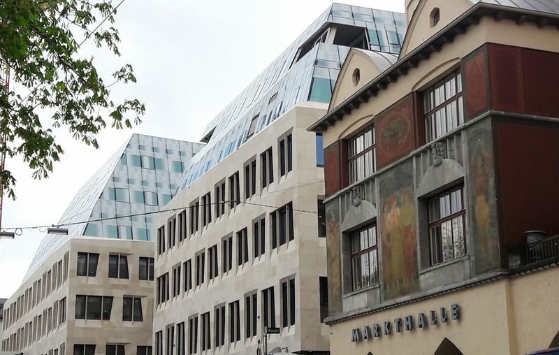 Kontrast New And Old New And Old Architecture Architecture Building Exterior Modern ArchitectureNo People Day Outdoors City Urban Geometry Urban Skyline Built Structure Old Architecture Markthalle Stuttgart Architectural Detail Facades Facade Detail