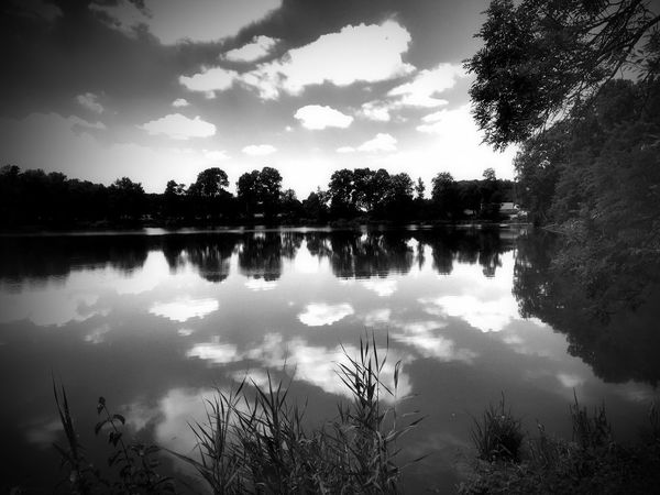 Bnw_friday_eyeemchallenge Bnw_reflection Reflection Sky Water Clouds And Sky Clouds
