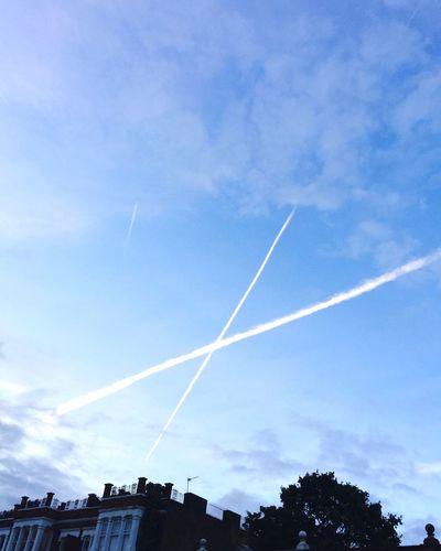 X Kiss Sky Trails Autumn London