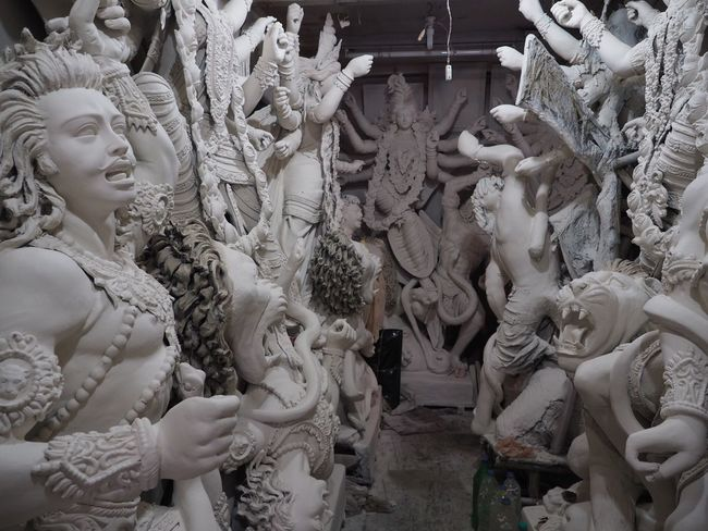 india 🇮🇳/ cocata no.2 Statue Sculpture Human Representation Art And Craft Religion Spirituality Male Likeness Creativity Place Of Worship No People Indoors  Day