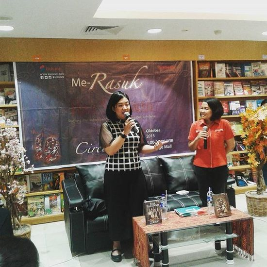 """Me-Rasuk"" @risa_saraswati 😊 Novel Rasuk RisaSaraswati Gramedia Gragemall Cirebon  Jabar"